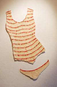 Ingrid van der Hoeven - Body 3 en Slip 2 (2008) - Kroepoek op papier