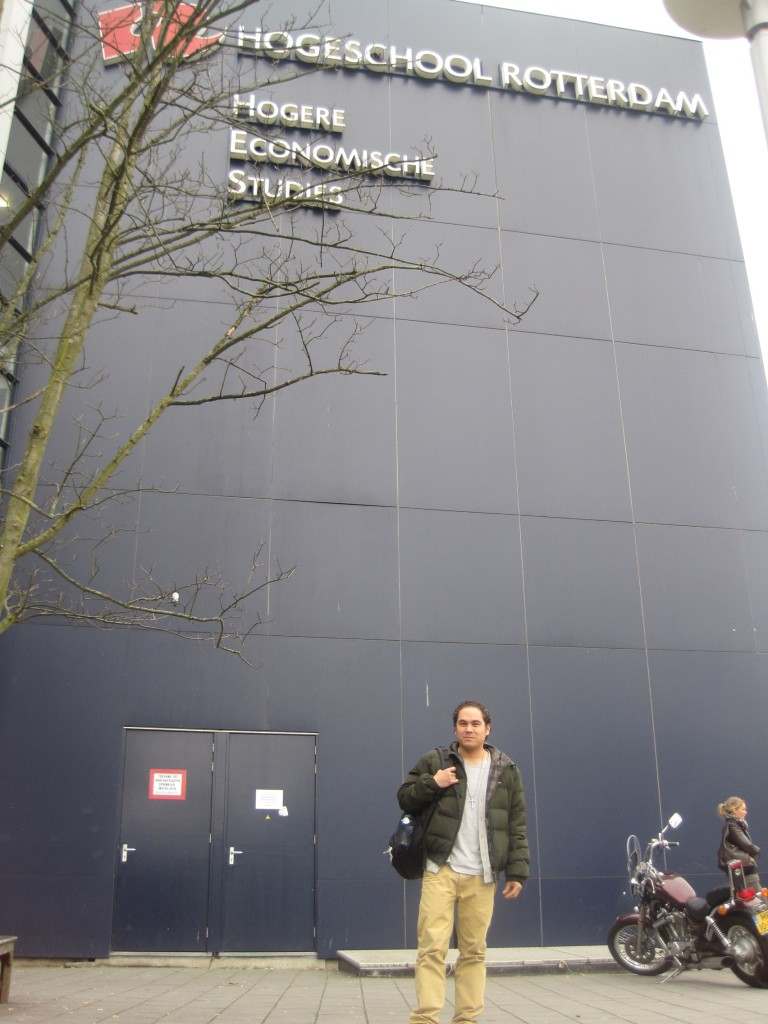Gino voor de Hogeschool Rotterdam. (c) Charlene Vodegel/ Indisch 3.0 2012.