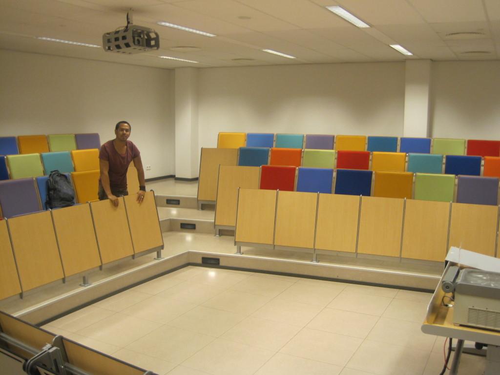 Jeffrey Klavert in de collegezaal – Charlene Vodegel / Indisch 3.0 2012