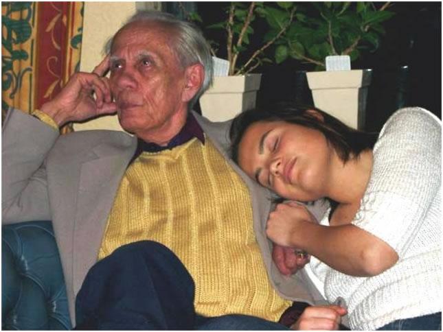 Shemara met haar opa Bloem. Foto: Shemara van den Heuvel.