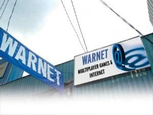 Warung Internet (warnet) Internetcafé – Foto:  http://cybercrawler.wordpress.com