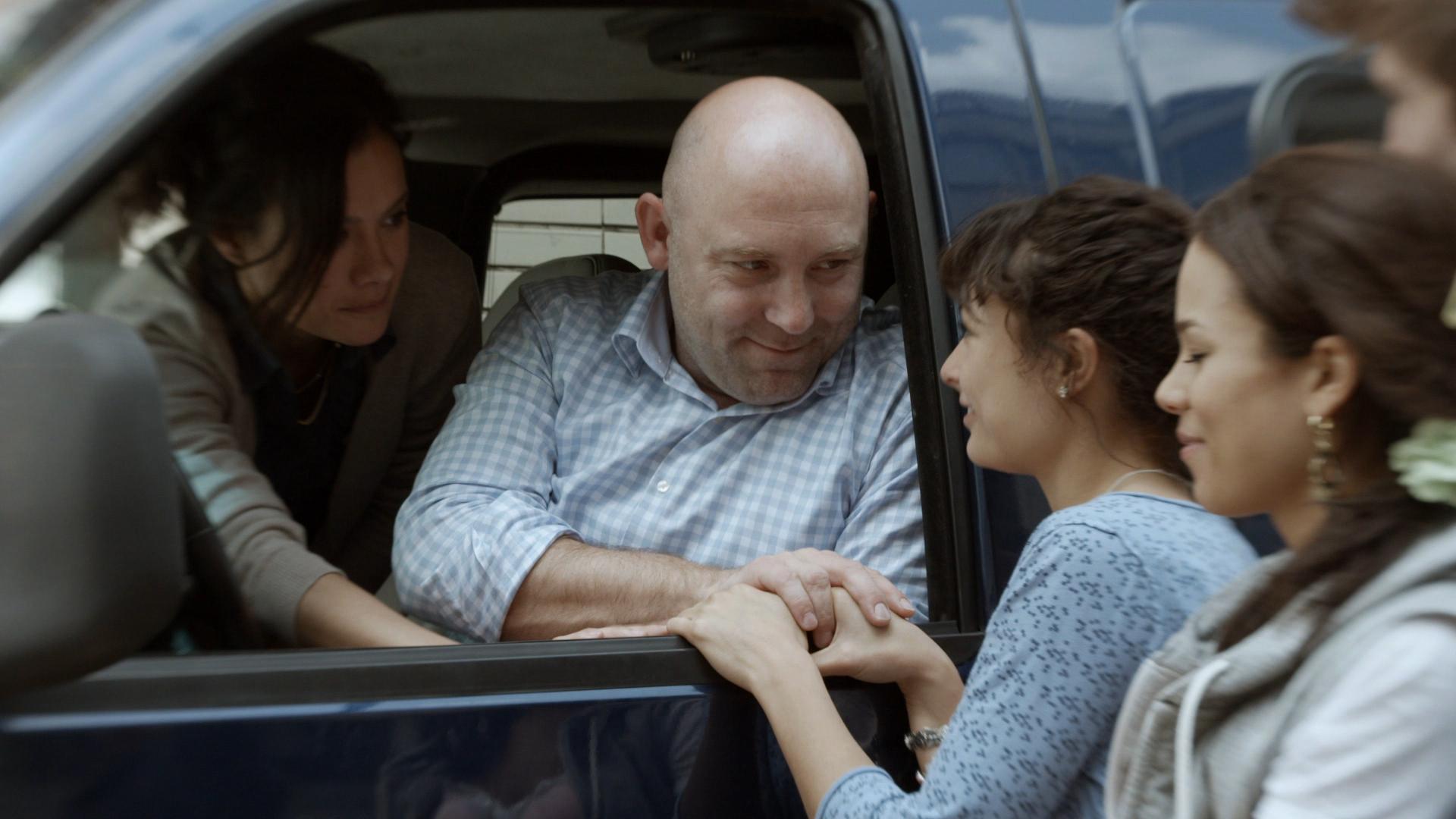 Terence Schreurs als moeder Winnie in nieuwe tv-serie 'Zusjes'
