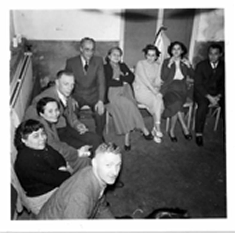 Repatrianten in hun pension - onder wie de ouders van mijn vader - in Elshout. Bron: persoonlijk archief Kirsten Vos