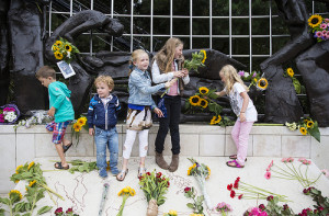 DEN HAAG - De Indie-herdenking in Den Haag, 2013. Copyright Ilvy Njiokiktjien